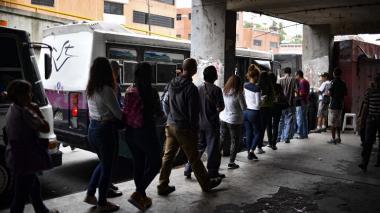 Gobierno venezolano suspende jornada laboral y educativa por nuevo apagón