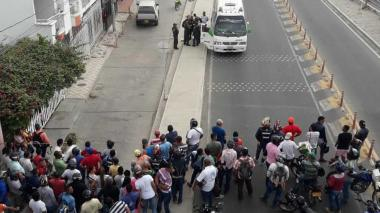 Asesinan a bala a hombre cuando se transportaba en un bus en Santa Marta