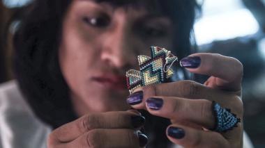 En video | Una indígena transgénero y una diseñadora colombianas conquistan pasarelas