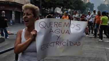 """""""Queremos agua y electricidad"""": el clamor de los venezolanos tras nuevo apagón"""