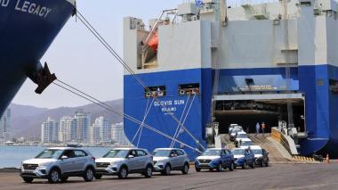 Puerto de samario hace transbordo de 1.274 vehículos en 20 horas