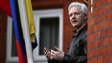 """Rusia acusa a Reino Unido de """"estrangular la libertad"""" con la detención de Assange"""