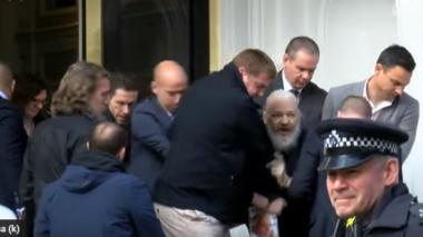 En video   Detienen al fundador de WikiLeaks