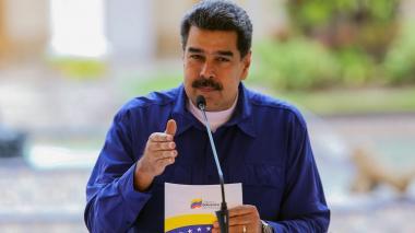 """Venezuela rechaza """"atroz decisión"""" de Ecuador de retirar asilo a Assange"""