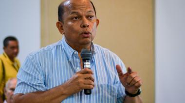 Óscar Imitola, consultor durante su intervención ante el gerente de EPM.