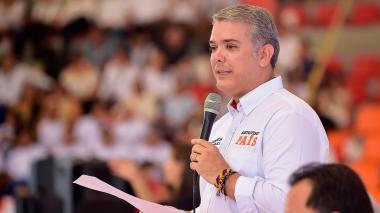 Duque anuncia campaña para lograr sede del Mundial Femenino de Fútbol en 2023