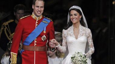 Escándalo real: ¿príncipe William habría engañado a Kate Middleton con su mejor amiga?