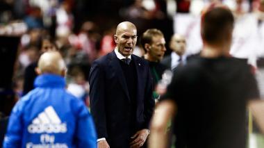 El Rayo hace estallar a Zidane