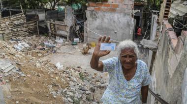 Damnificados en Carlos Meisel piden adecuación de sus viviendas