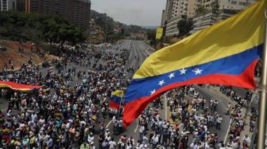 """""""Los que estaban negociando la salida de Maduro han """"apagado su celular"""": EEUU"""
