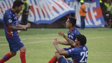 Celebración del gol de los jugadores del Unión.