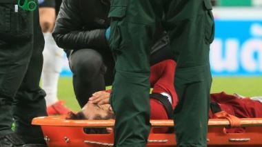 El jugador salió en camilla el partido anterior.