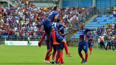 Los jugadores del Unión Magdalena festejan el gol que a la postre les dio el paso a los cuadrangulares.