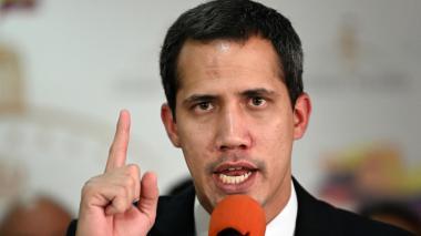 """Guaidó denuncia que el oficialismo trata de """"cerrar"""" el Parlamento venezolano"""