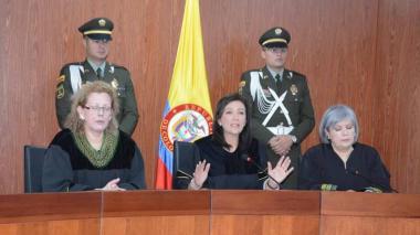 Por lío de visas, rifirrafe entre Gobierno, Gaviria y las Cortes