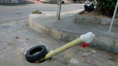 En el barrio Los Andes, moradores denuncian robo de tapas de manjoles