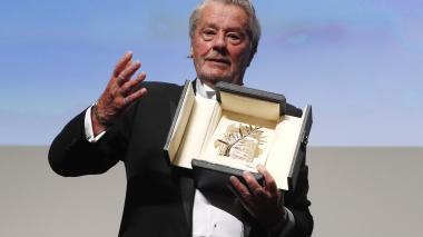 El actor francés agradeció entre lágrimas este reconocimiento en Cannes.