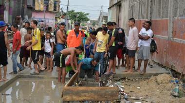 Residentes de San Roque hallaron vehículo arrastrado por arroyo Hospital