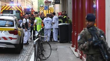 Ascienden a trece los heridos en atentado con paquete bomba en Lyon, Francia