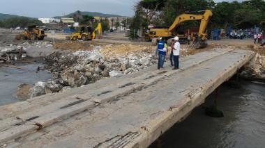Cerramiento y enrocado dan inicio a reconstrucción del muelle de Puerto Colombia