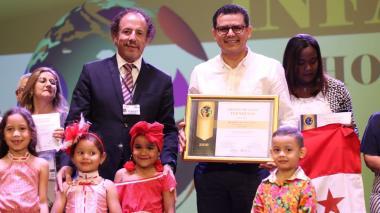 Gobernación del Atlántico recibe premio internacional por la articulación en niveles de educación