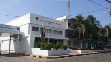 Policía hiere a compañero accidentalmente dentro del Comando en Barranquilla