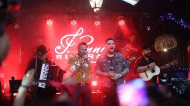 Jessi Uribe y Jhonny Rivera lanzan 'Tu veneno'