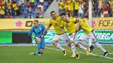 Borré junto a Juan Fernando Quintero en el estadio Metropolitano.