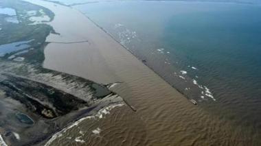 Panorámica aérea del canal de acceso al Puerto de Barranquilla.