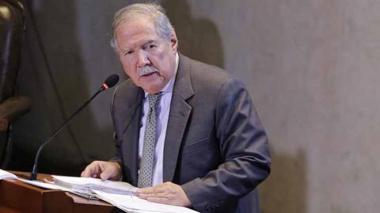 Vuelve pulso entre oficialismo y oposición por censura a Botero