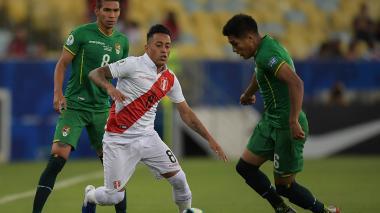 Perú derrota 3-1 a Bolivia y queda a  un paso de cuartos