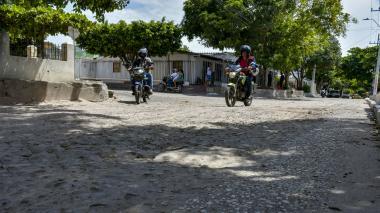 Quejas por el mal estado de vías en el barrio La Victoria