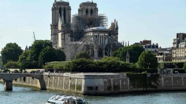 Alcadía de París comenzará a desmontar andamios de Notre Dame