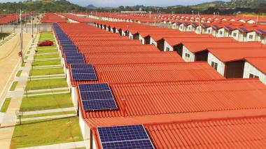 Celsia presenta una línea de solución solar para hogares