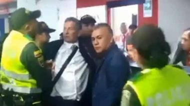 En video | Darío Gómez protagoniza escándalo tras altercado en el aeropuerto de Pasto