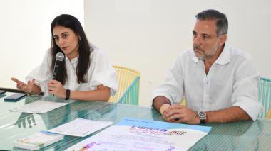 Alexandra Vives junto a Juan José Jaramillo.