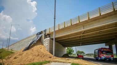 Reportan derrumbe en puente de la Circunvalar de la Prosperidad