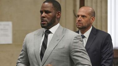 R. Kelly se declara inocente de tráfico sexual en Nueva York