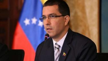 """Gobierno venezolano acusa a EEUU de """"terrorismo económico"""" tras bloqueo de activos"""