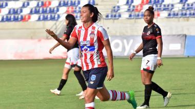 Yoreli Rincón festejando su gol ante el Cúcuta Deportivo que sirvió para el triunfo 1-0 de las Tiburonas.