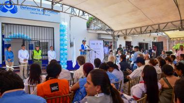 Funcionarios y migrantes asistieron al evento de inauguración en Soledad.