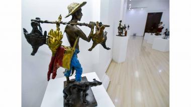 Esculturas de Emiro Garzón, un canto a la mujer y al campo