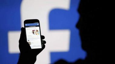 Muchos de los usuarios de Facebook desconfían de la seguridad proporcionada por la red social.