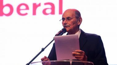 Horacio Serpa será sometido a una operación para tratar lesión cancerígena