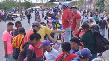 Migración implementa plan de contingencia ante exigencia de visa a venezolanos en  Ecuador
