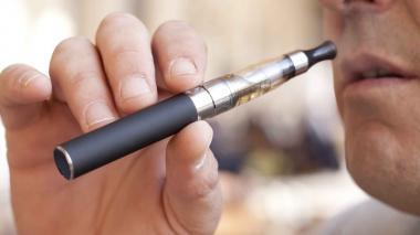 Name pide priorizar debate sobre cigarrillos electrónicos
