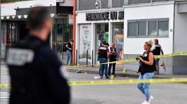 Un muerto y ocho heridos deja ataque con cuchillo en Lyon, Francia
