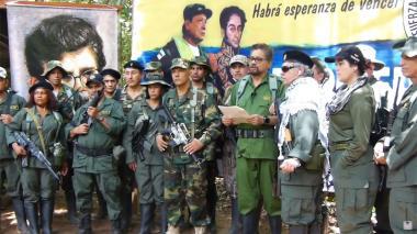 Iván Márquez junto Jesús Santrich, El Paisa y Romaña en el video en que fue revelado en la madrugada del pasado jueves.