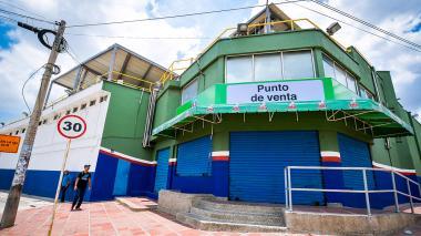 Fachada de la planta de Cunit, desde donde se comercializaron sus productos.
