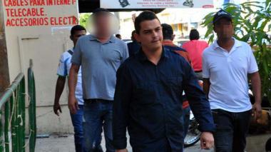 Se entrega Diego Muñetón para cumplir condena por homicidio de su pareja